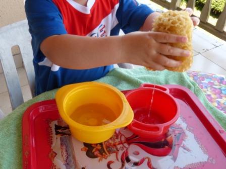 Connu activités et pédagogie montessori chez ma nounou à Moingt QY68